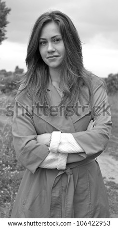 bw portrait of young beauty woman