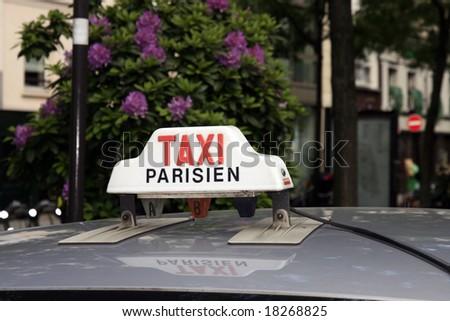 Cab sign in Paris