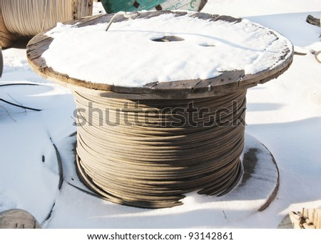 Cable storage on snow