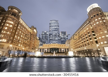 Cabot Square Is One Of The Central Squares Of The Canary Wharf ...