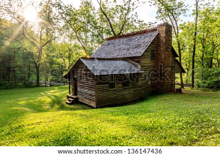 Cades cove smokey mountians national park, Old cabin at the senic lope