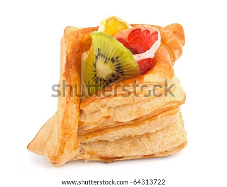 Cake from flaky past with jelly and fruit
