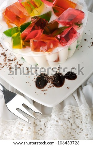 Cake from the pieces of fruit jelly