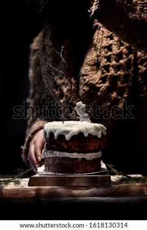 Cake on a cake sand