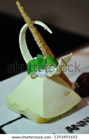 cake or cheese cake,French cake dish