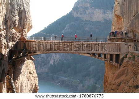 CAMINITO DEL REY, SPAIN - DECEMBER 18TH, 2019: photo of Caminito del Rey, a trail with incredible scenery, with super high rocks. it is located in spain Foto stock ©