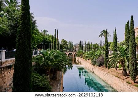 Canal Torrent de Sa Riera in the street Paseo de Mallorca in the center of Palma de Mallorca, Balearic Islands, Spain Foto stock ©