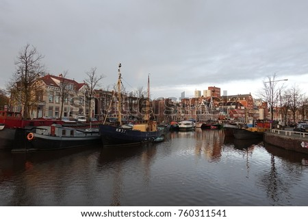 Canals and boats in Groningen Stockfoto ©