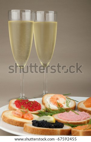 canapes and glasses of champagne