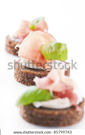 canapes with ham and cream cheese