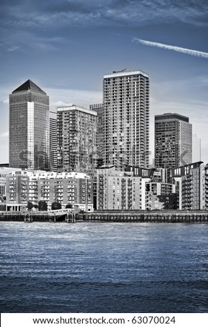 Canary Wharf, Famous skyscrapers of London's financial district. This view includes: Credit Suisse, Morgan Stanley, HSBC Group Head Office, Canary Wharf Tower, Citigroup Centre and apartment houses