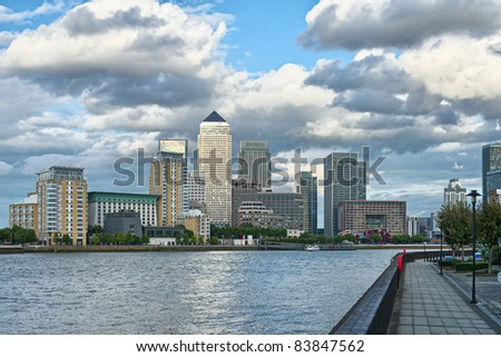 Canary Wharf, London's other financial business district, Isle of Dogs, London, England, UK, Europe, looking across the River Thames