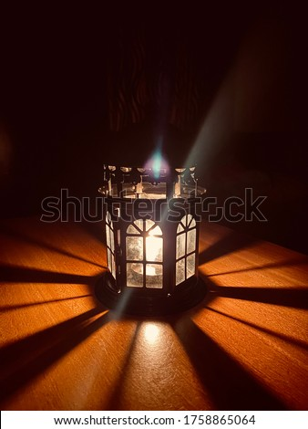 Candle light table images, Metal hanging candle holder, the evening candle light, lights, the night candle light, shadow light,alone night.