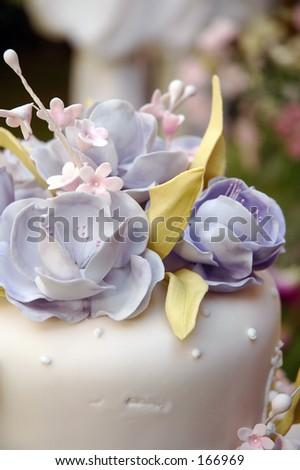 canna flower decorated cake