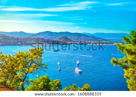 Cannes and La Napoule panoramic sea bay view, yachts and boats from Theoule sur Mer. French Riviera, Azure Coast or Cote d Azur, Provence, France Stockfoto ©