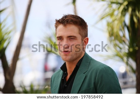 CANNES, FRANCE - MAY 18: Actor Robert Pattinson attends 'The Rover' photocall during the 67th Annual Cannes Film Festival on May 18, 2014 in Cannes, France