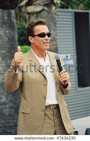 Arnold Schwarzenegger Workout Pics. arnold schwarzenegger workout