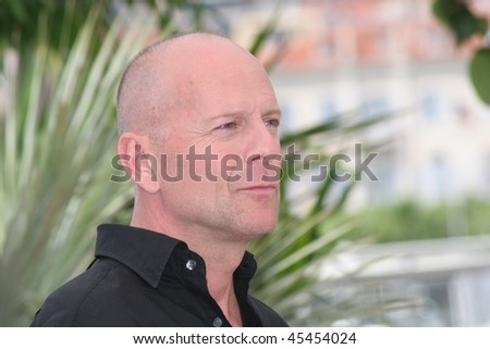 CANNES, FRANCE - MAY 21: Bruce Willis attends a photocall promoting the film 'Over The Hedge' at the Palais during the 59th International Cannes Film Festival on May 21, 2006 in Cannes, France