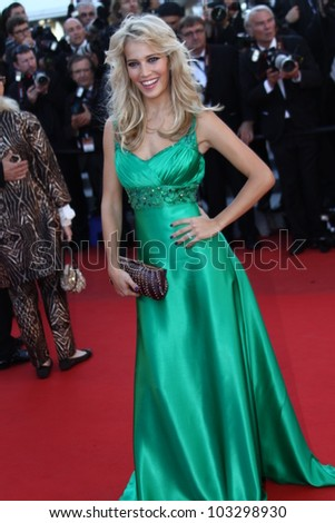 CANNES, FRANCE - MAY 22: Luisana Lopilato attends the 'Killing Them Softly' Premiere during 65th Annual Cannes Film Festival at Palais des Festivals on May 22, 2012 in Cannes, France.