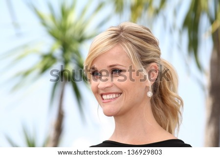 CANNES, FRANCE - MAY 26: Reese Witherspoon attends 'Mud' Photocall during the 65th Annual Cannes Film Festival at Palais des Festivals on May 26, 2012 in Cannes, France.