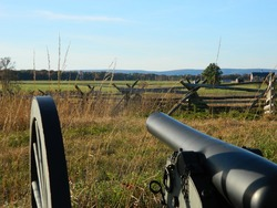 Cannon aimed out at the Gettysburg battlefield