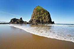 Cannon beach and wave