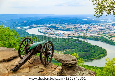Cannon overlooking Chattanooga at Lookout Mountain Battlefield, Point Park Civil War Cannon Monument near Chattanooga, Tennessee