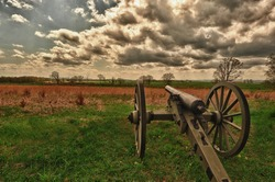 Cannons lined up along the union line for Gettysburg Civil War battle