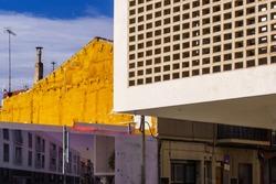 CAP progres of Badalona. Mesh shape concrete building