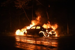 Car burns