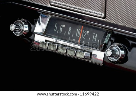 Car Radio in a old american car
