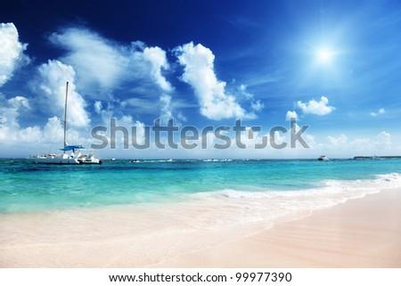 Caribbean sea and yacht