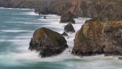 Carnewas and Bedruthan Steps is a stretch of coastline located on the north Cornish coast between Padstow