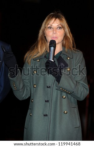 Carol Vorderman turns on the Mount Street Christmas Lights, Mayfair, London. 22/11/2012 Picture by: Steve Vas
