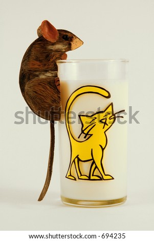 Carved Mouse on glass with cat