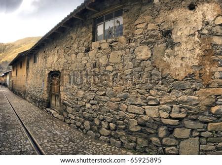 Casa  de piedra en Huancaya, pueblo peque�±o  ubicado en los Andes a 3500 metros de altura y a 15 horas de Lima, capital de Per�º. Construcci�³n r�ºstica hecha con piedra y argamasa.