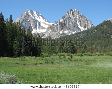 Castle and Merriam Peaks in the White Cloud Mountains in Idaho