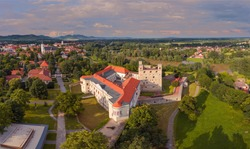 Castle of Sarospatak Hungary Another name is Rakoczi castle. This is a rennesiance fort what built in after 1250. The castle of Sárospatak can be seen on the back of the Hungarian HUF 500 paper money.