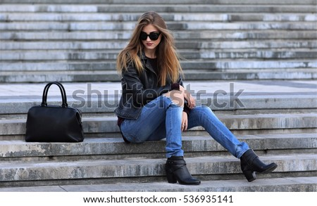 casual style. stylish woman in...