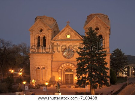 Cathedral Basilica of St-Francis in downtown Santa Fe, New Mexico