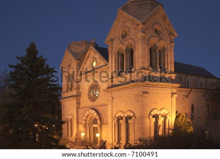 Cathedral Basilica of St-Francis in Santa Fe photographed at night