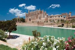 Cathedral La Seu and Parc de la Mar in Palma de Mallorca