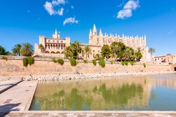 Cathedral of Santa Maria of Palma (La Seu) and Royal Palace of La Almudaina, Palma de Mallorca, Balearic islands, Spain