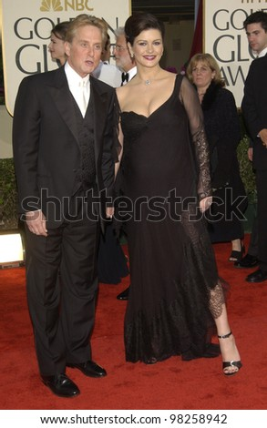 CATHERINE ZETA-JONES & MICHAEL DOUGLAS at the Golden Globe Awards at the Beverly Hills Hilton Hotel. 19JAN2003.  Paul Smith / Featureflash - stock photo