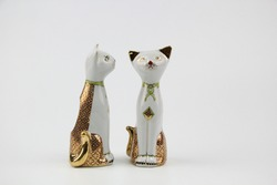 Cats made from Thai style ceramics for home decoration, are handmade by Thai people, use for decorating houses, foreigners Popular as souvenirs.