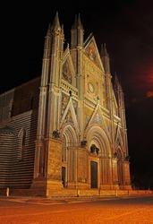 Cattedrale di Santa Maria Assunta, Duomo di Orvieto - night photo of roman catholic cathedral in Orvieto, Umbria, Italy