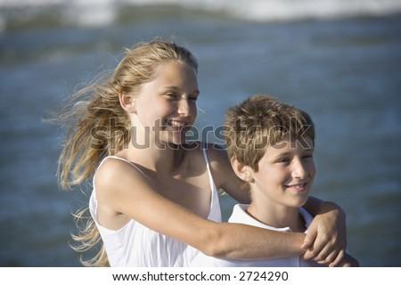 Брат с сестрой трахаются порно фото 82324 фотография