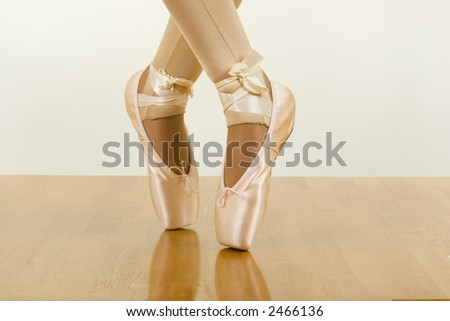 Caught movements of ballet workout; Tiptoe
