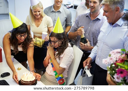 Celebrating a colleague\'s birthday in the office
