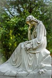 Cemetery Statuary Statue Bonaventure Cemetery Savannah Georgia